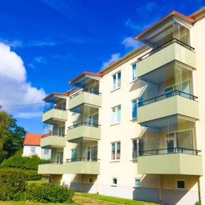 Grönt Inglasade Balkong och balkong tak